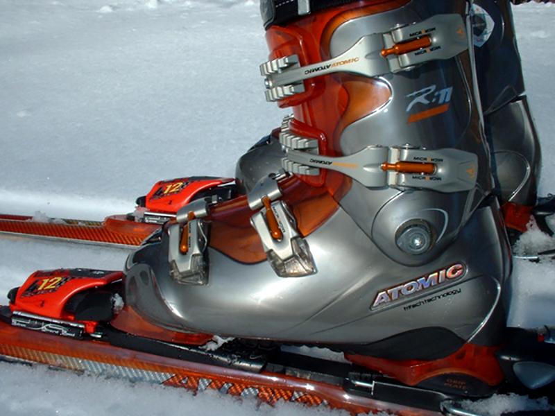 Atomic Beta Ride 11.20 Skis & Boots
